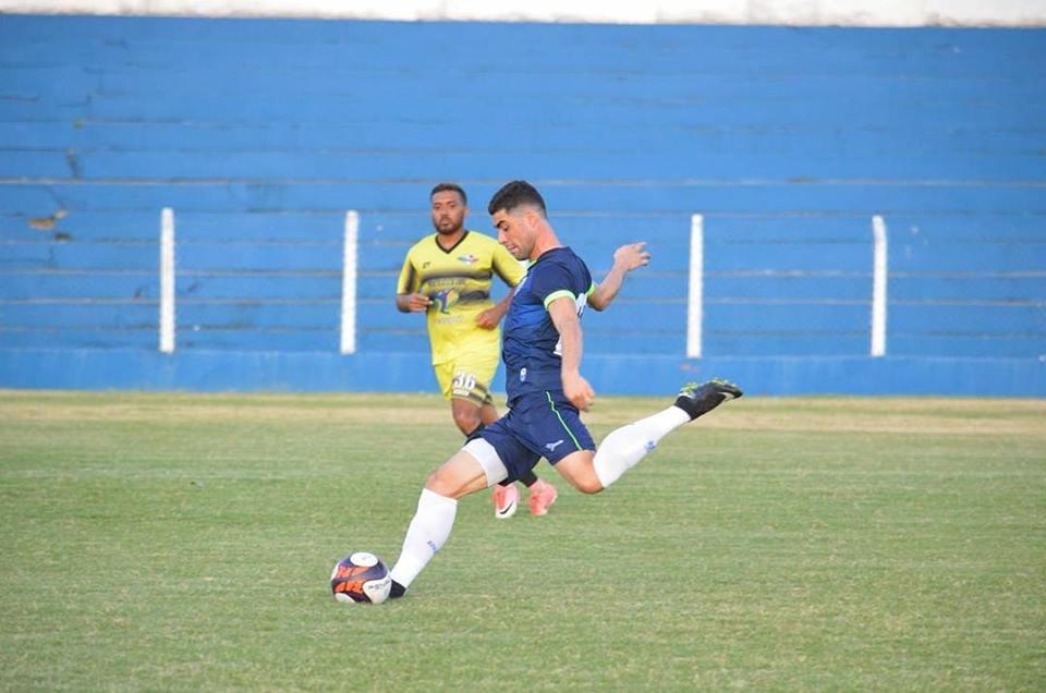 Xandão em jogo-treino realizado contra o Sindicato dos Atletas.