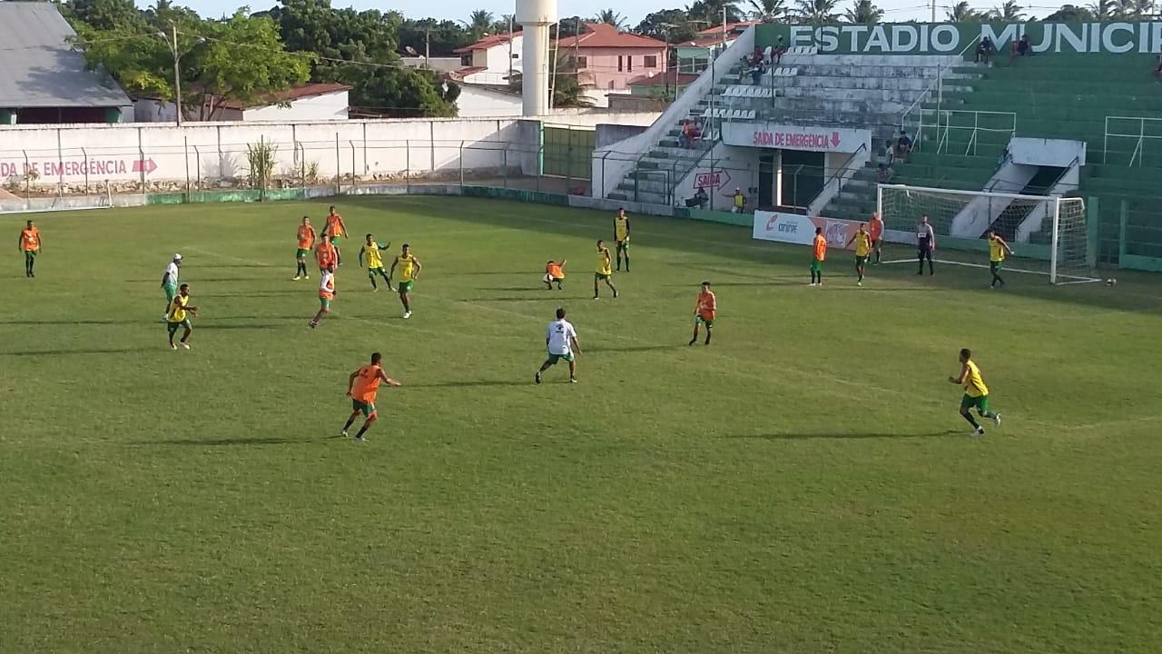 Treino do Coruripe no Estádio Gerson Amaral