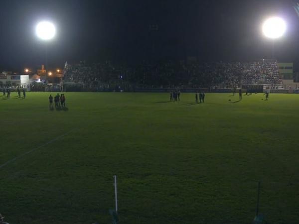 Apagão no Estádio Juca Sampaio.
